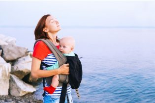 how to make your baby comfortable in a carrier